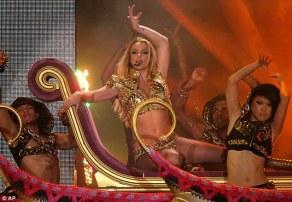 Britney Spears Femme Fatale Tour - Julia Carta