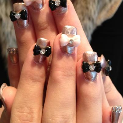 Nails by Hollie Wakeham