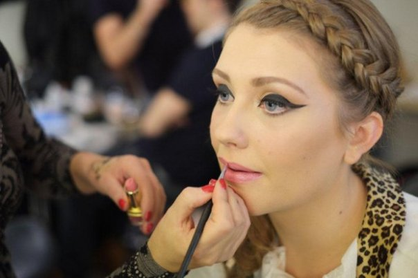 Julia Carta works on Ella Henderson for X Factor