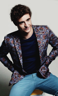 Max Irons for Esquire - Grooming by Julia Carta